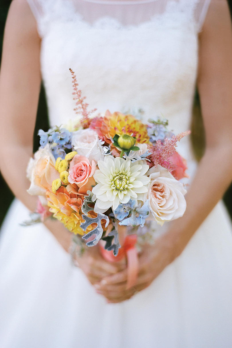 grocery store wedding flowers wedding flowers by season southern living 4628