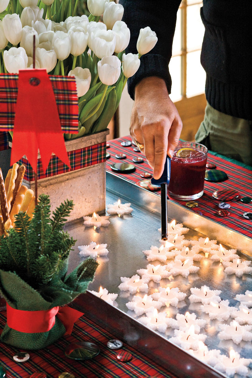 Christmas Decorating Ideas: Boot Tray