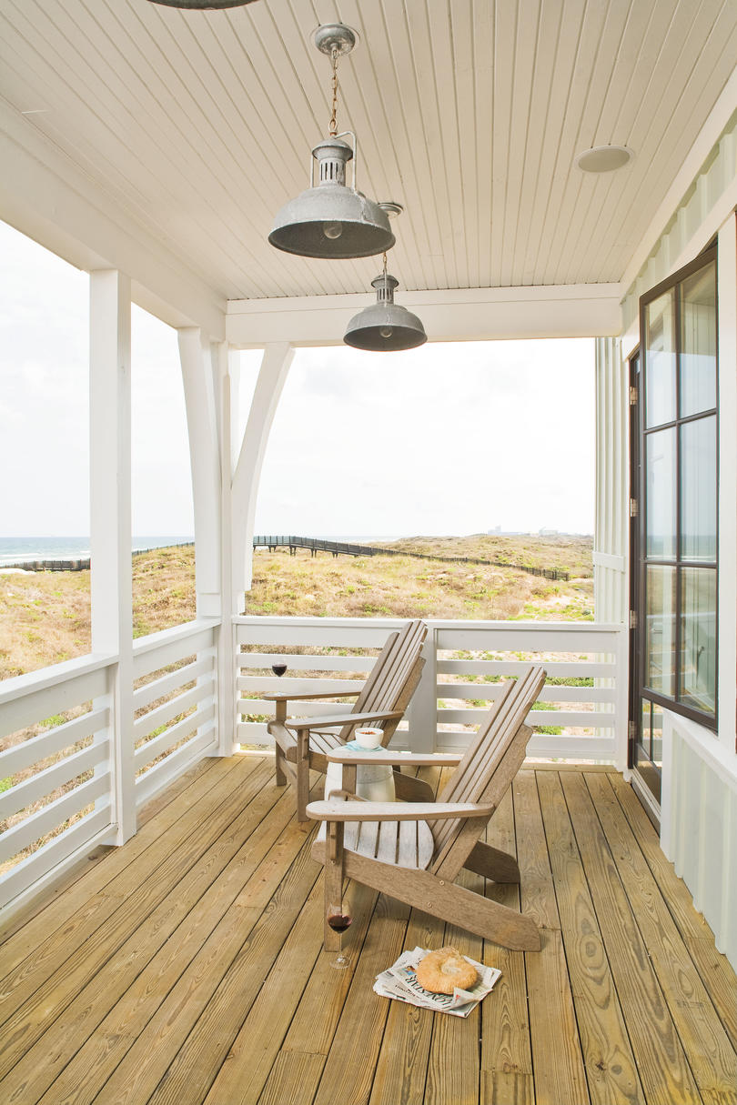Porch and patio design inspiration southern living for Beach house look interior design