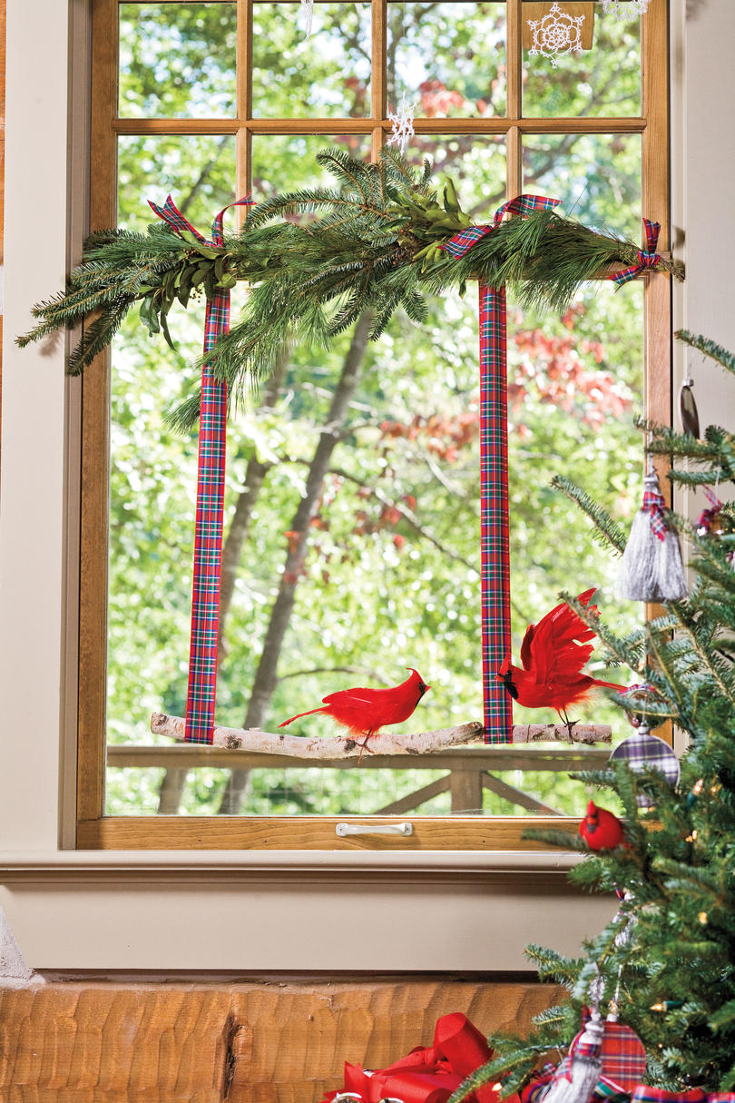 Indoor window christmas decorations - Christmas Decorating Ideas Cardinal Window
