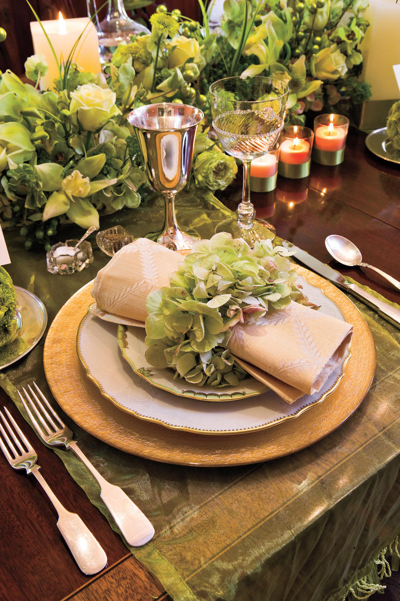 Grand and gracious christmas dinner southern living for Craft ideas for old dishes