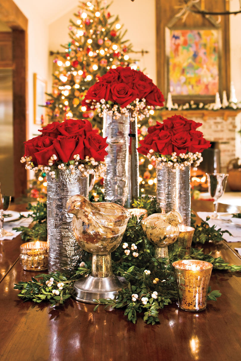 christmas decorating red rose centerpiece - Christmas Interior Decorating
