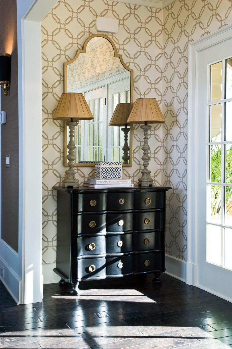 Foyer And Entryways Qb : Fabulous foyer decorating ideas southern living