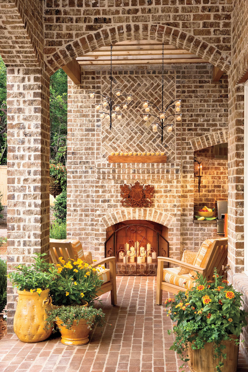 Outdoor Rooms: Outdoor Fireplaces