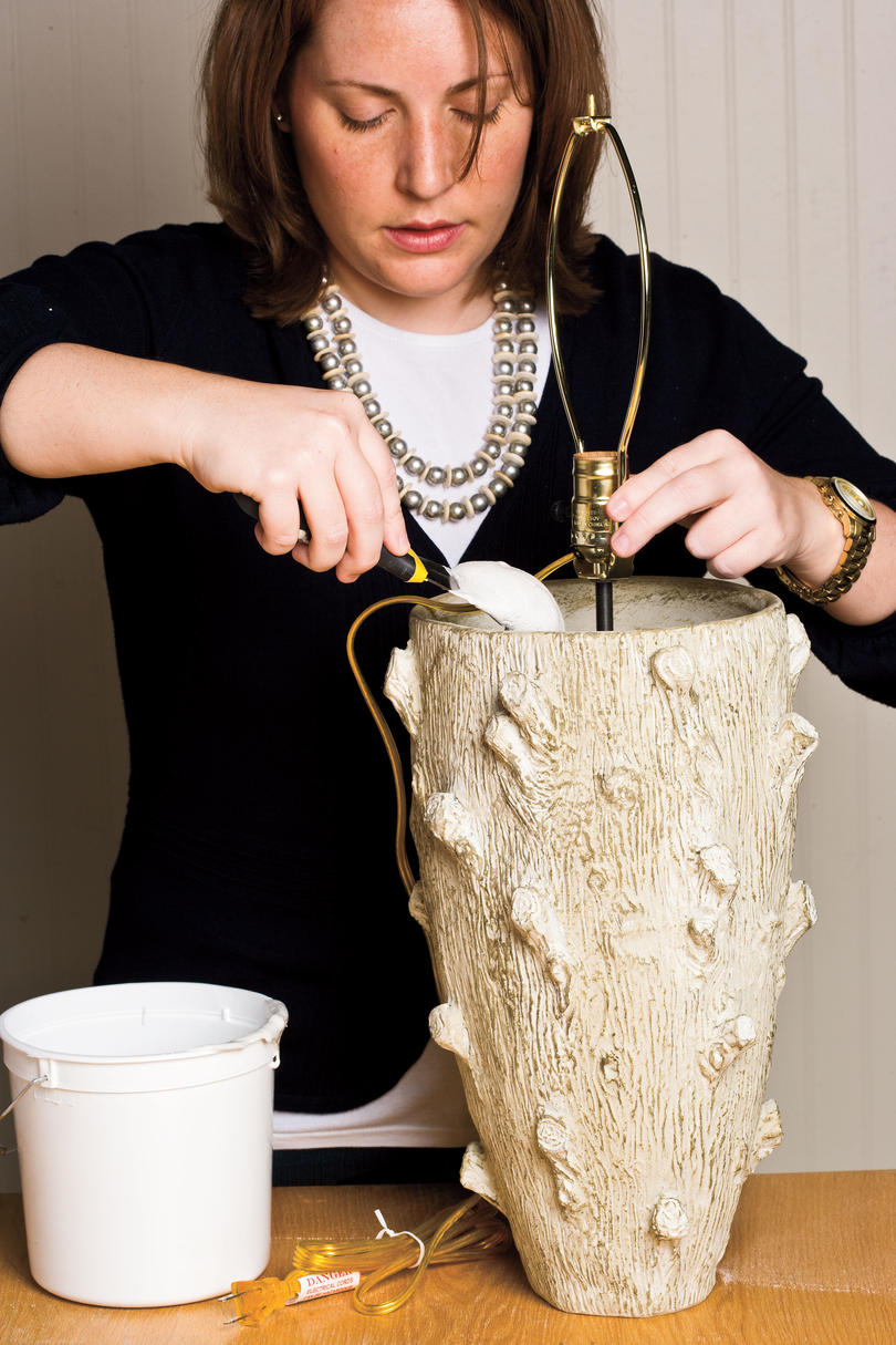Do It Yourself Table Lamp Craft: Secure Outfitted Pipe Inside Pot
