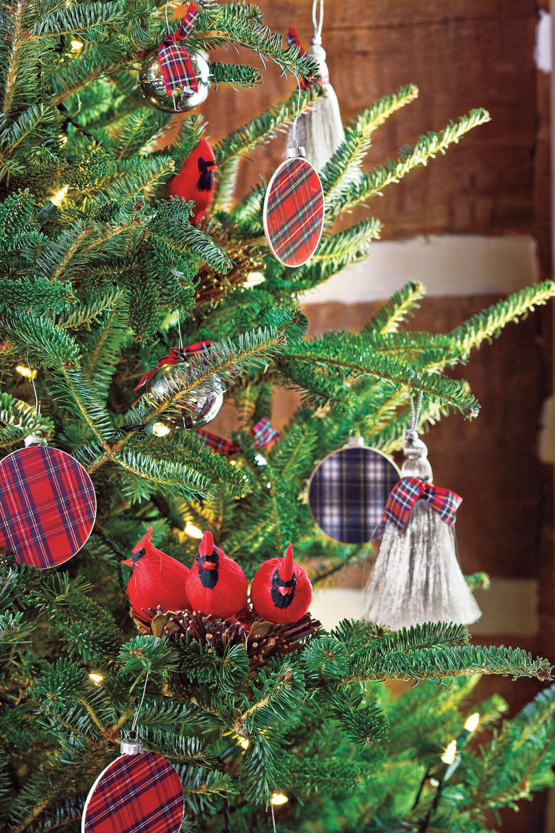 christmas decorating ideas tartan ornaments