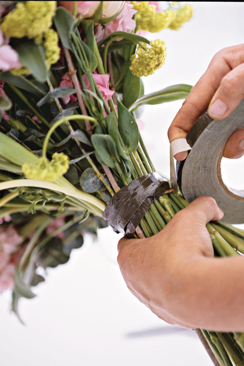 How to Make a Posy Bouquet: Spiral Stems