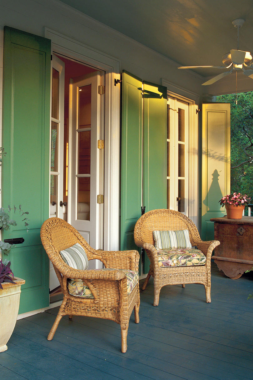 80 porch and patio design ideas you 39 ll love all season - How to furnish a small bedroom ...