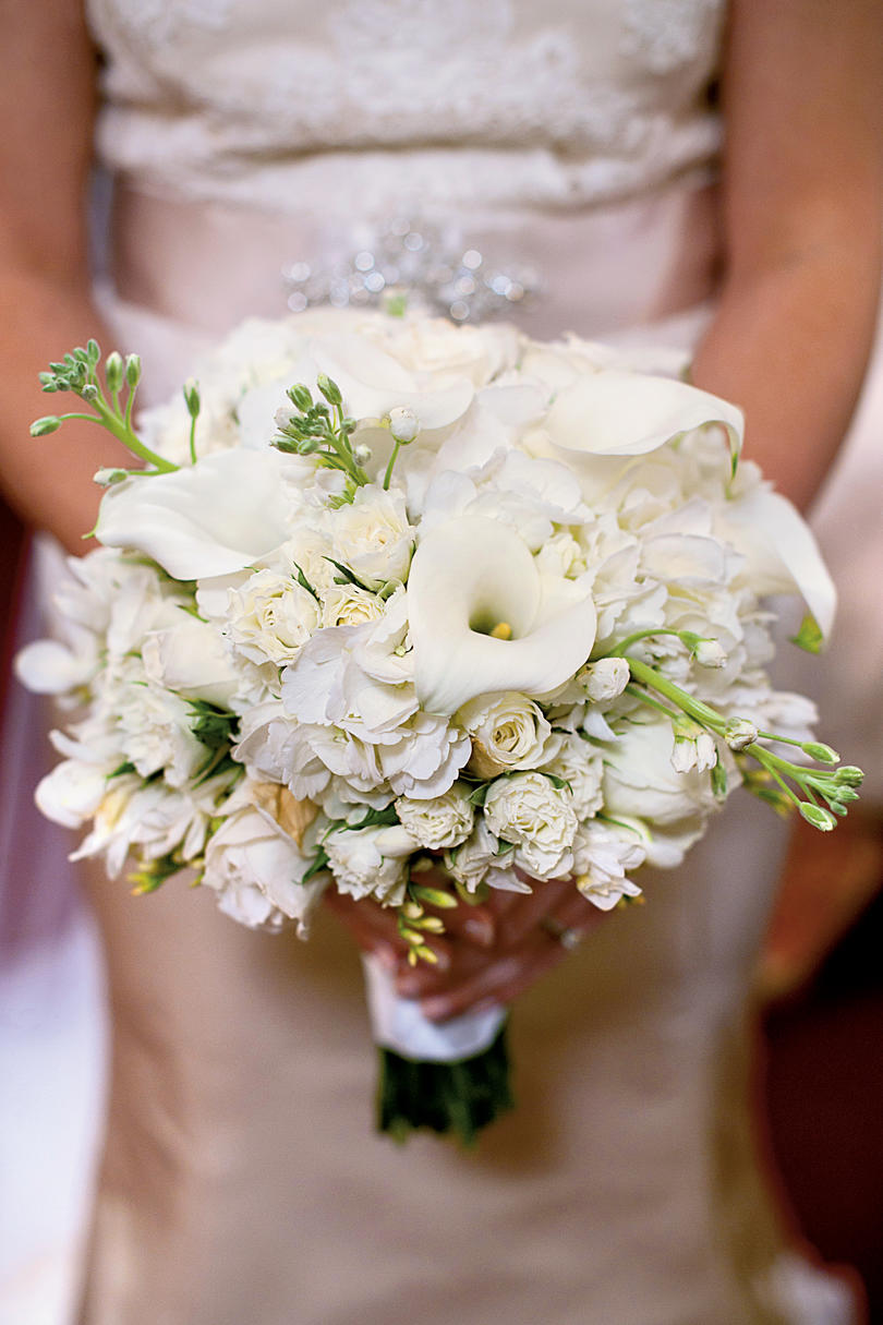 Free-Form White Bouquet