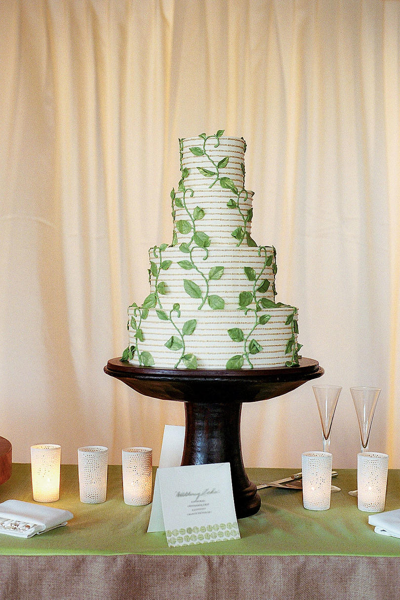 Climbing Vines Wedding Cake