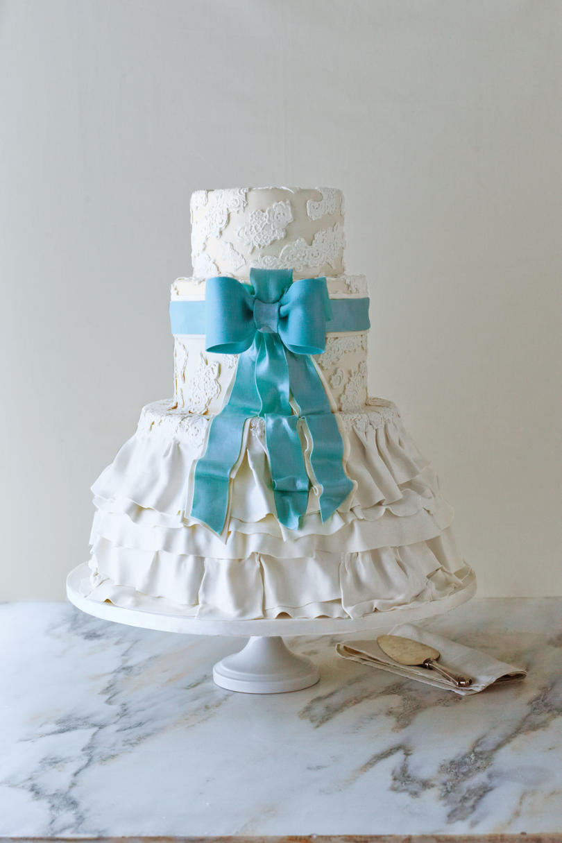 Best Dressed Wedding Cake