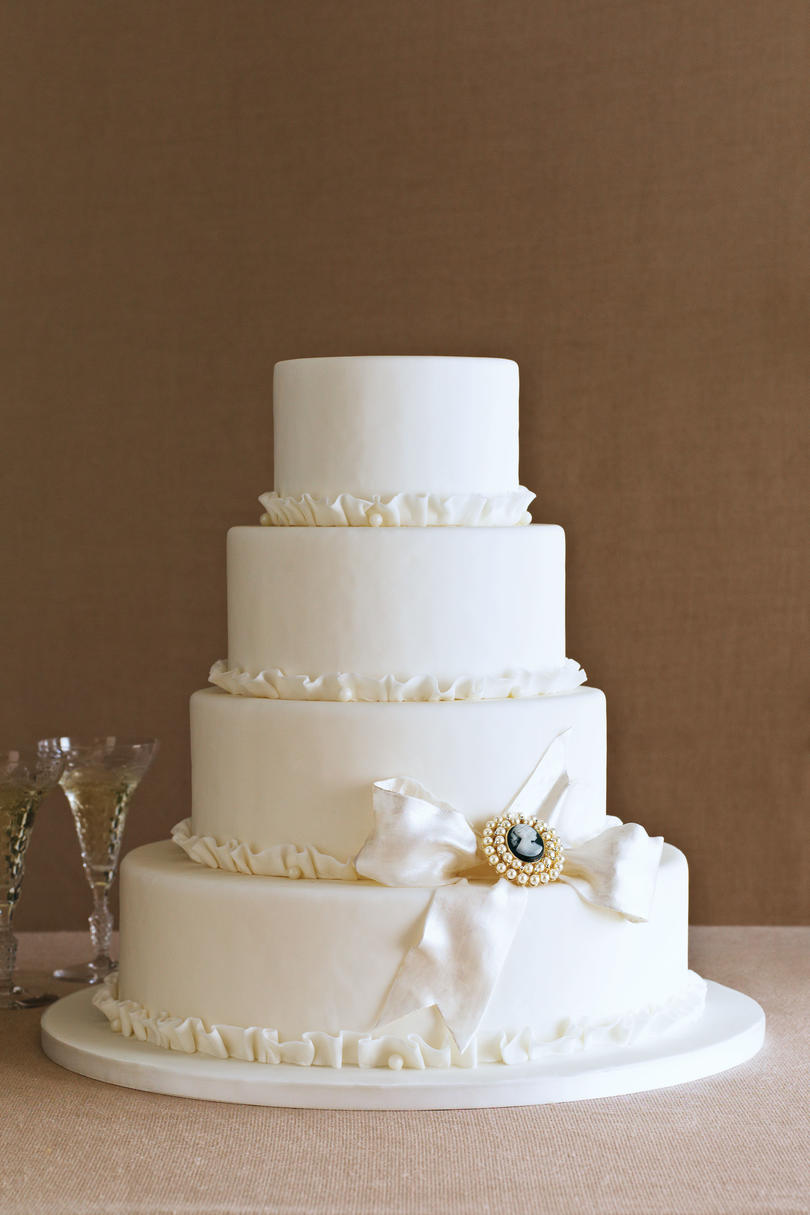 Cameo Appearance Wedding Cake