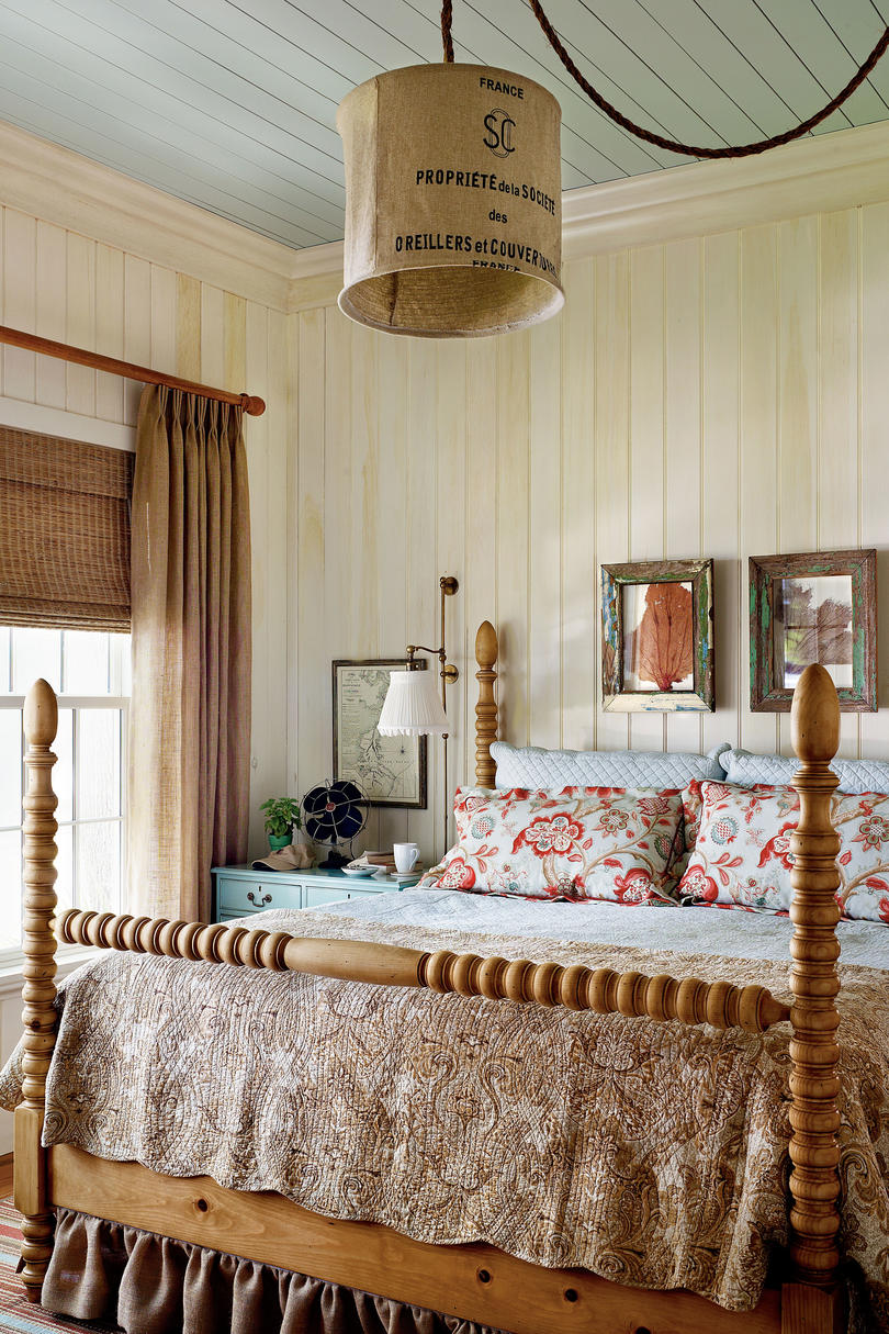 Coastal Bedroom: Master Bedroom Decorating Ideas
