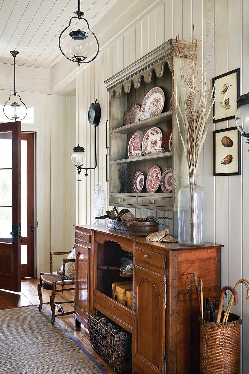 Fabulous foyer decorating ideas southern living for P allen smith living room