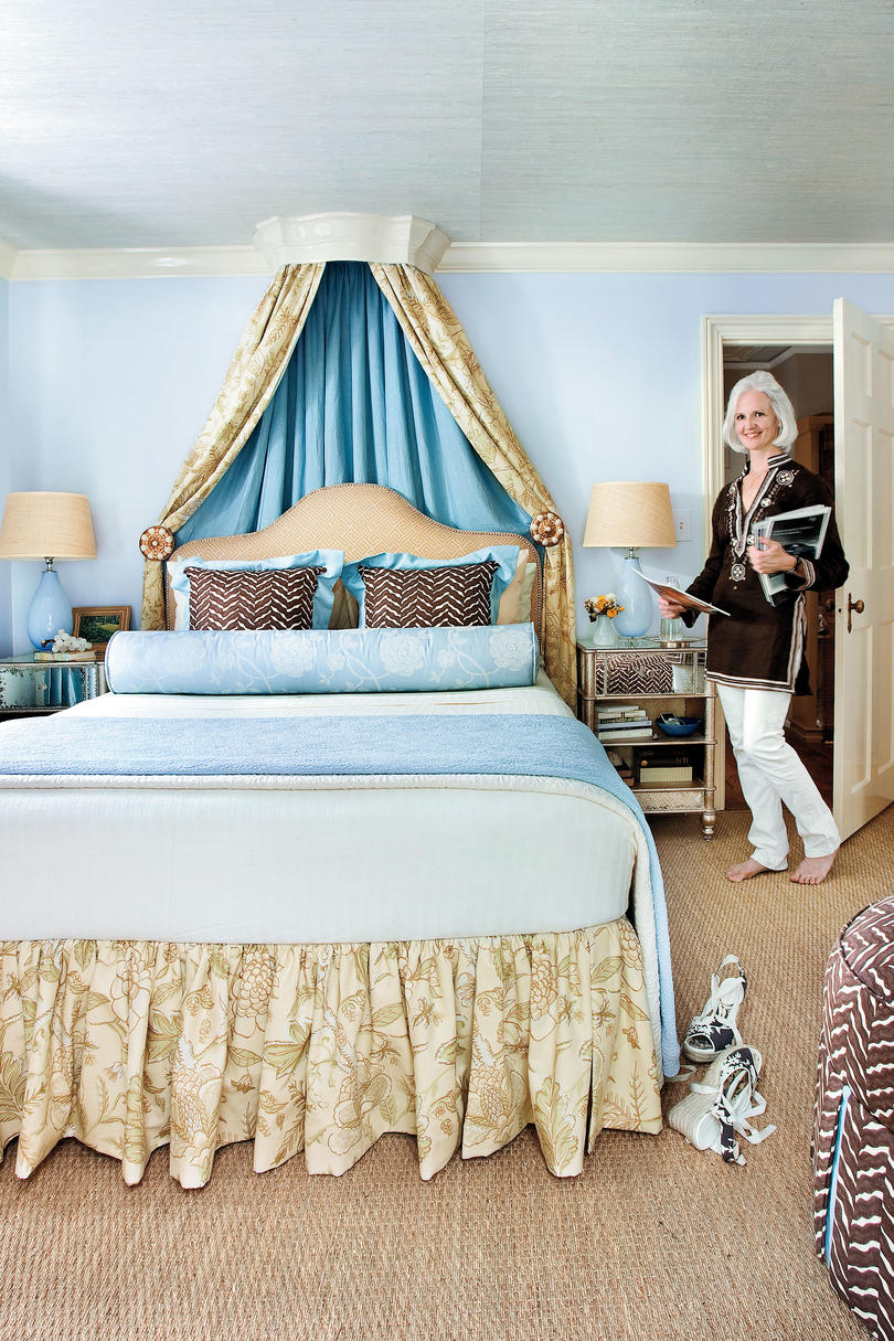 Colorful beach bedroom decorating ideas southern living - Coastal living bedroom decorating ideas ...