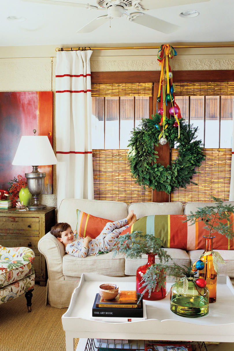 Christmas Decorated Living Rooms Ideas Part - 26: Christmas Decorating Ideas: Greenery Sprigs
