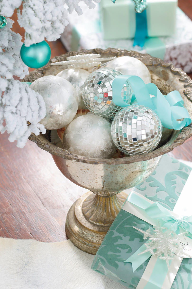 Christmas Decorating Ideas: Bowl of Ornaments