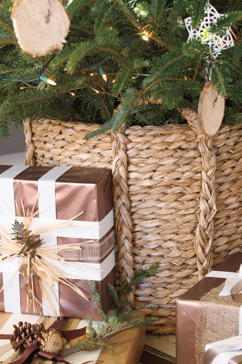Christmas Decorating Ideas Tree Basket