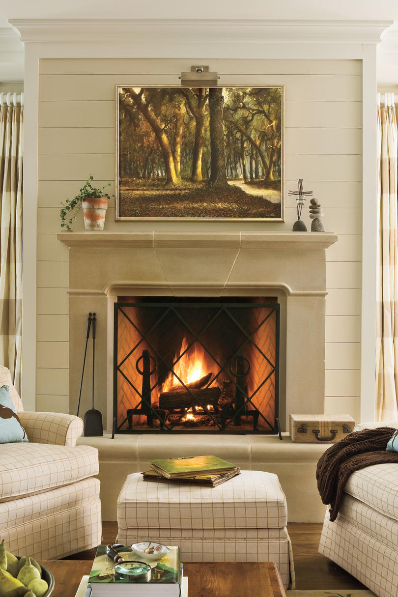 25 cozy ideas for fireplace mantels southern living for Decor over fireplace