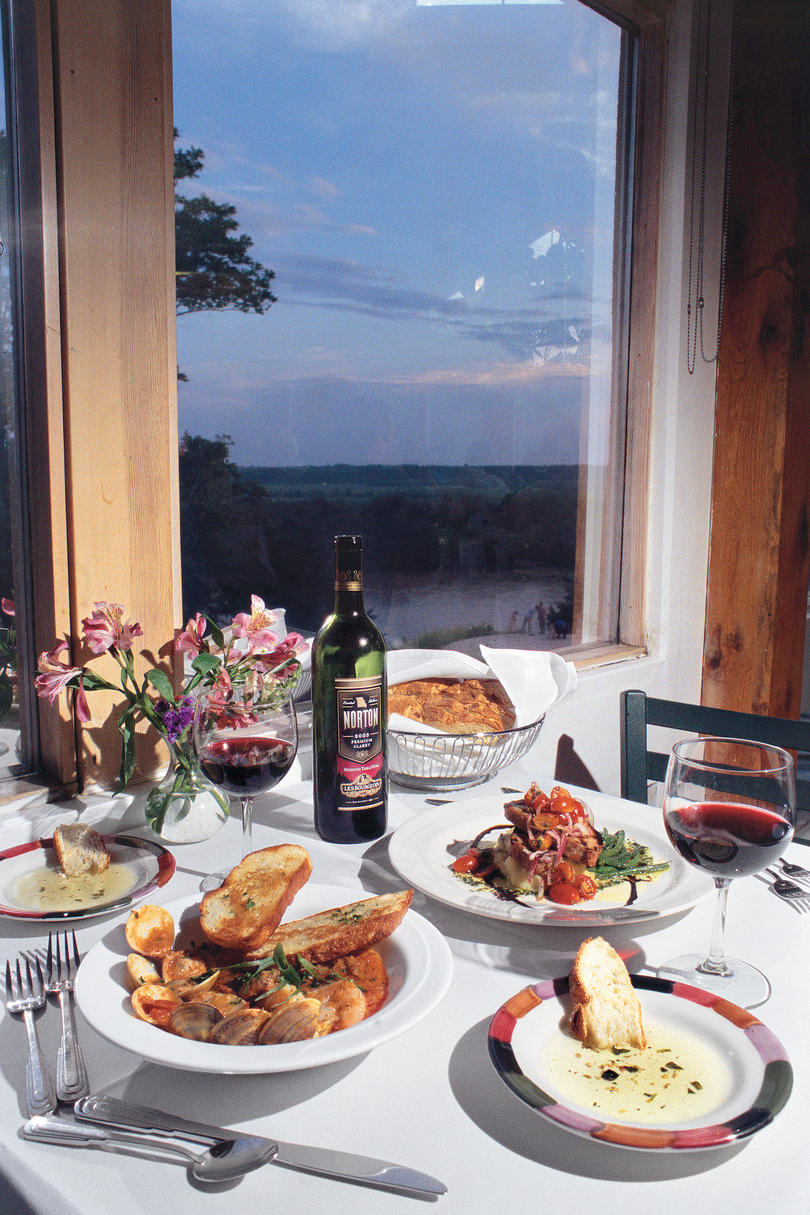 dinner entrees at Les Bourgeois Vineyard's Blufftop Bistro