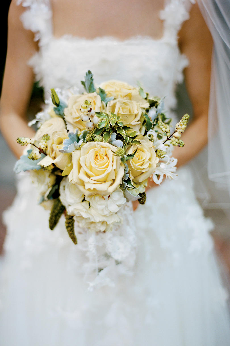 White wedding bouquets southern living creamy rose bouquet izmirmasajfo