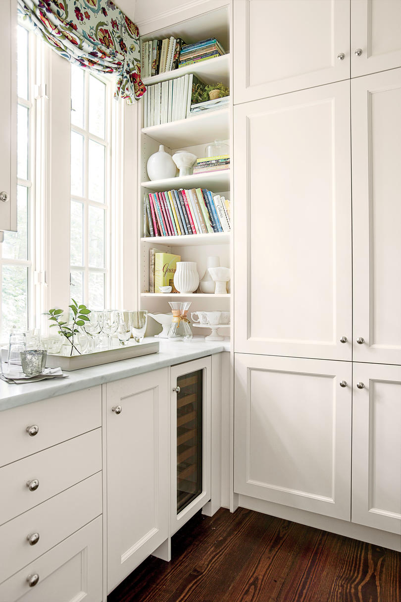 White kitchen cabinets shaker style - Timeless Shaker Style Cabinets