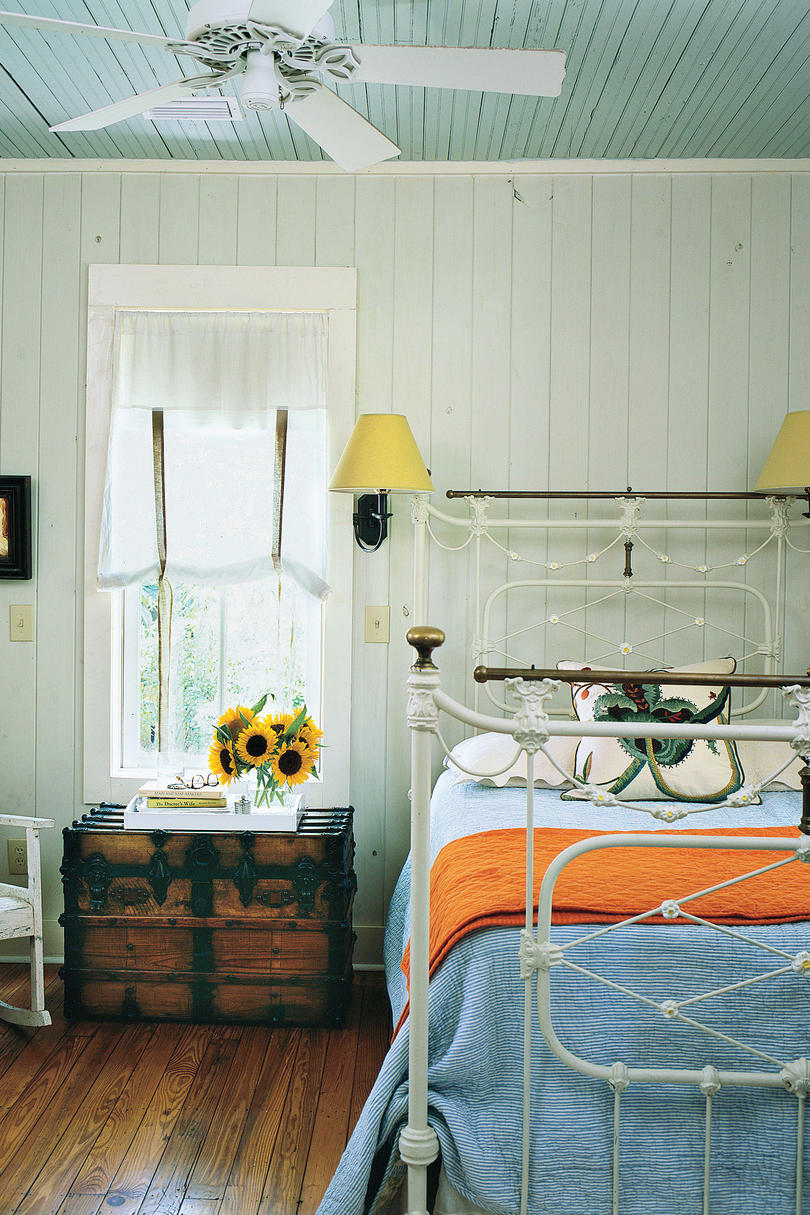 Bedside Table And Lighting Southern Living