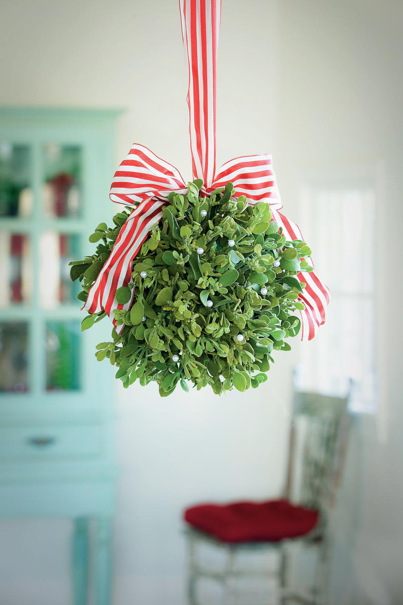 Most Pinned Christmas Decorating Ideas - Southern Living