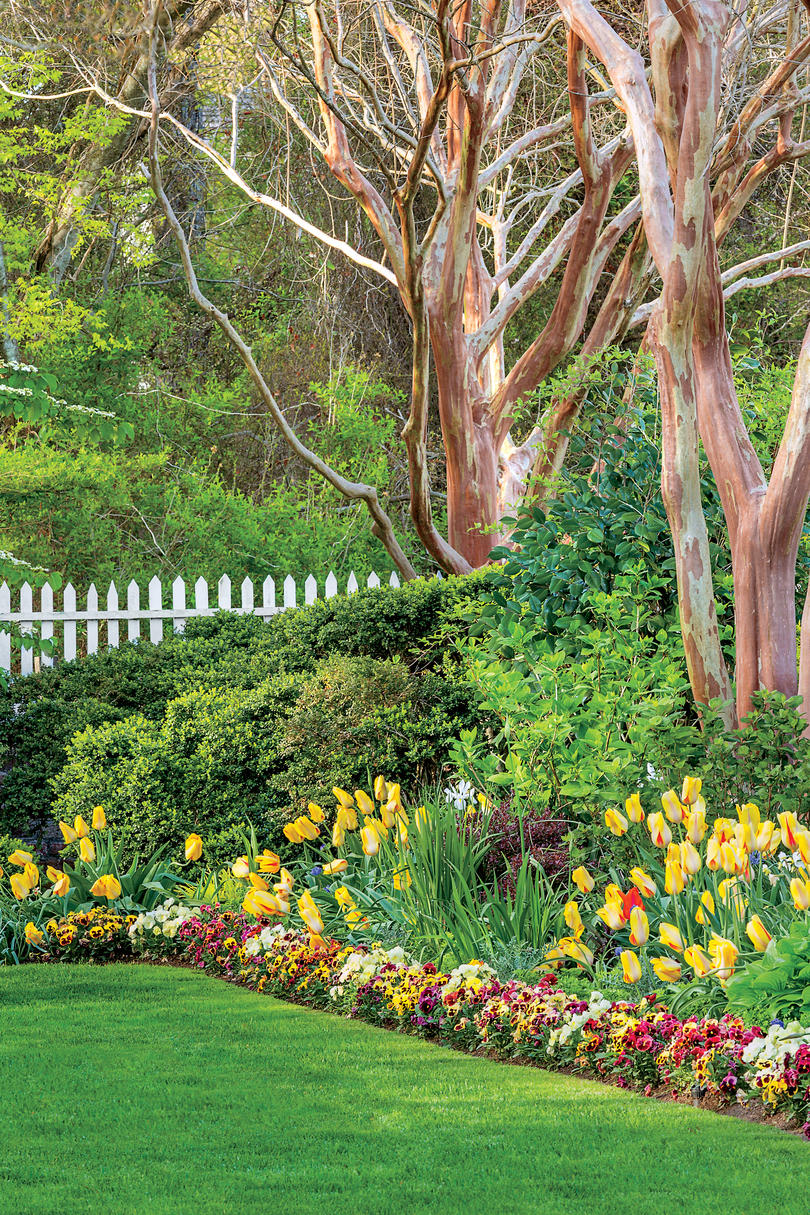 Spring Gardens 21 Gardens That Have Us Itching For Spring  Southern Living