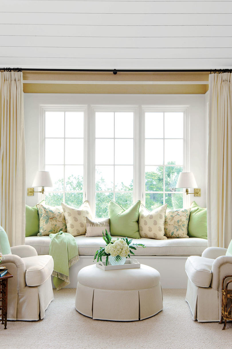 Style guide bedroom seating ideas southern living for Southern style bedroom