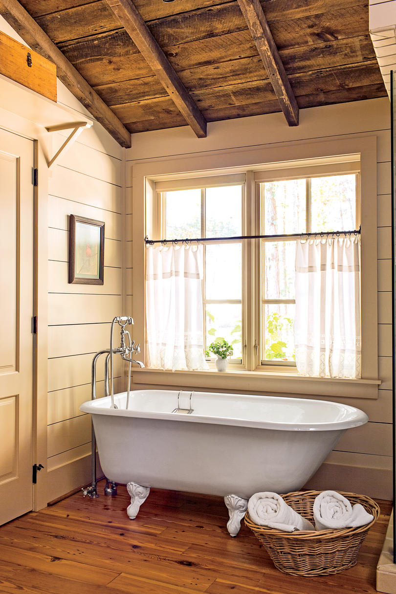 15 ways with shiplap southern living for Bath cabin