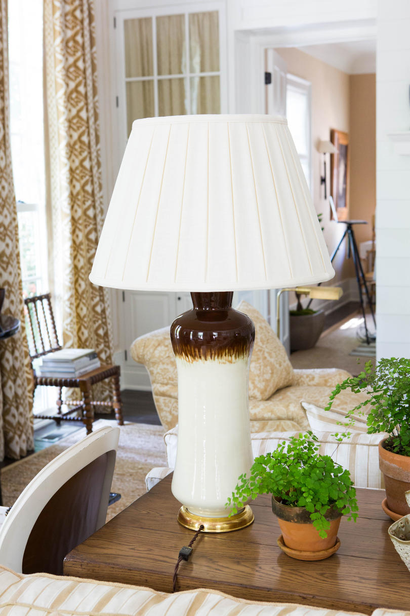 White Brown Table Lamp