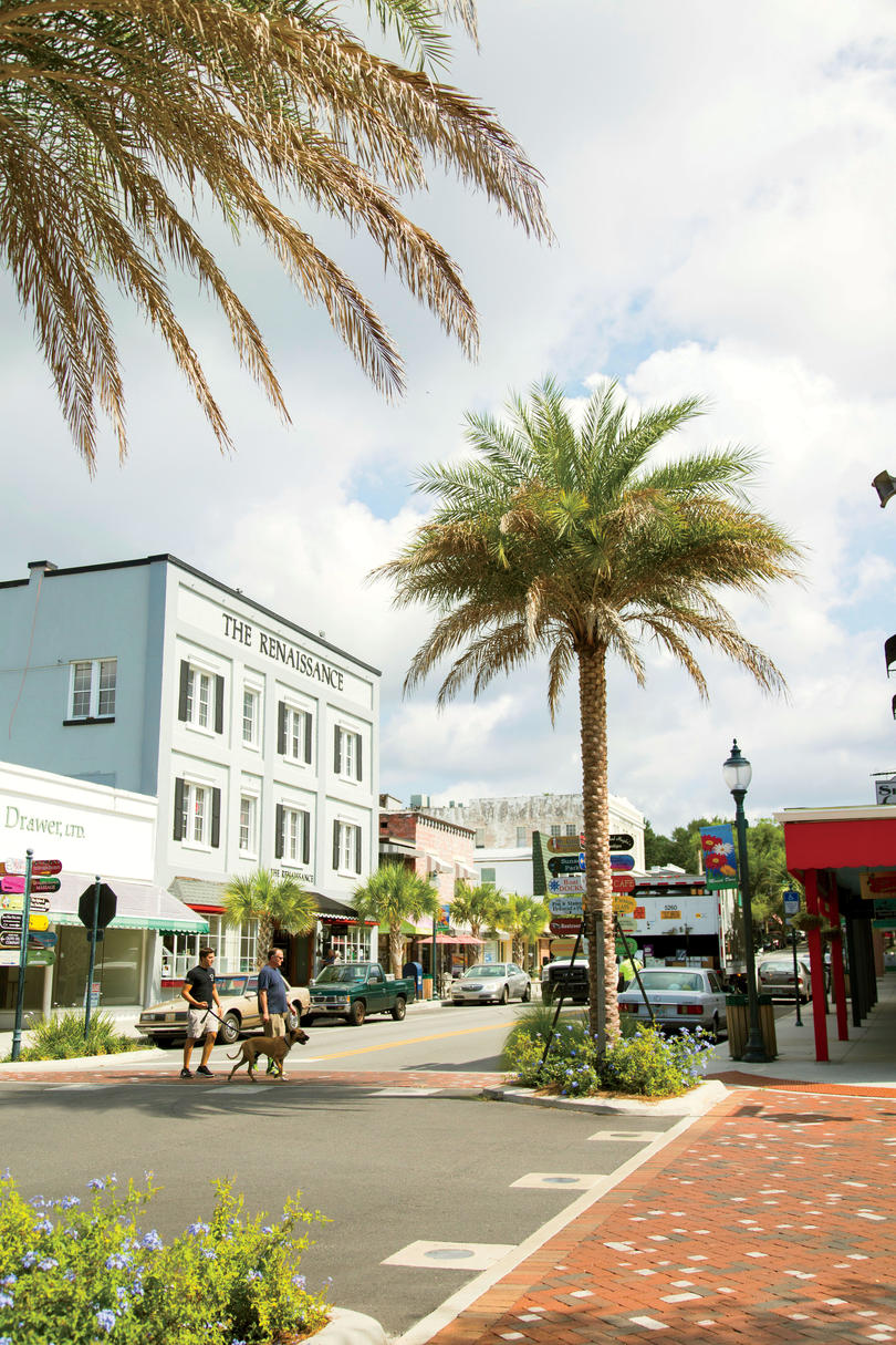 Donnelly Street in Mt. Dora, Florida
