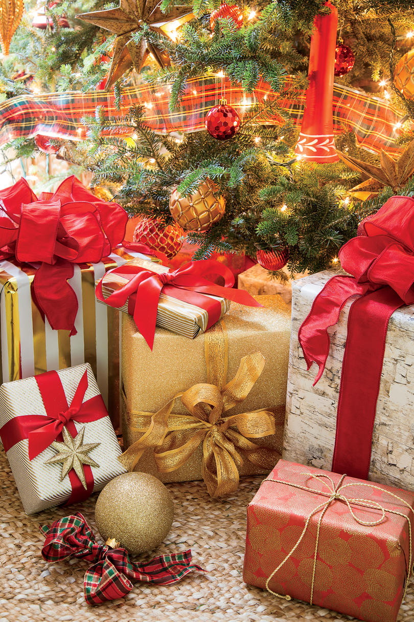 Stylish Gift Wrapping Ideas - Southern Living