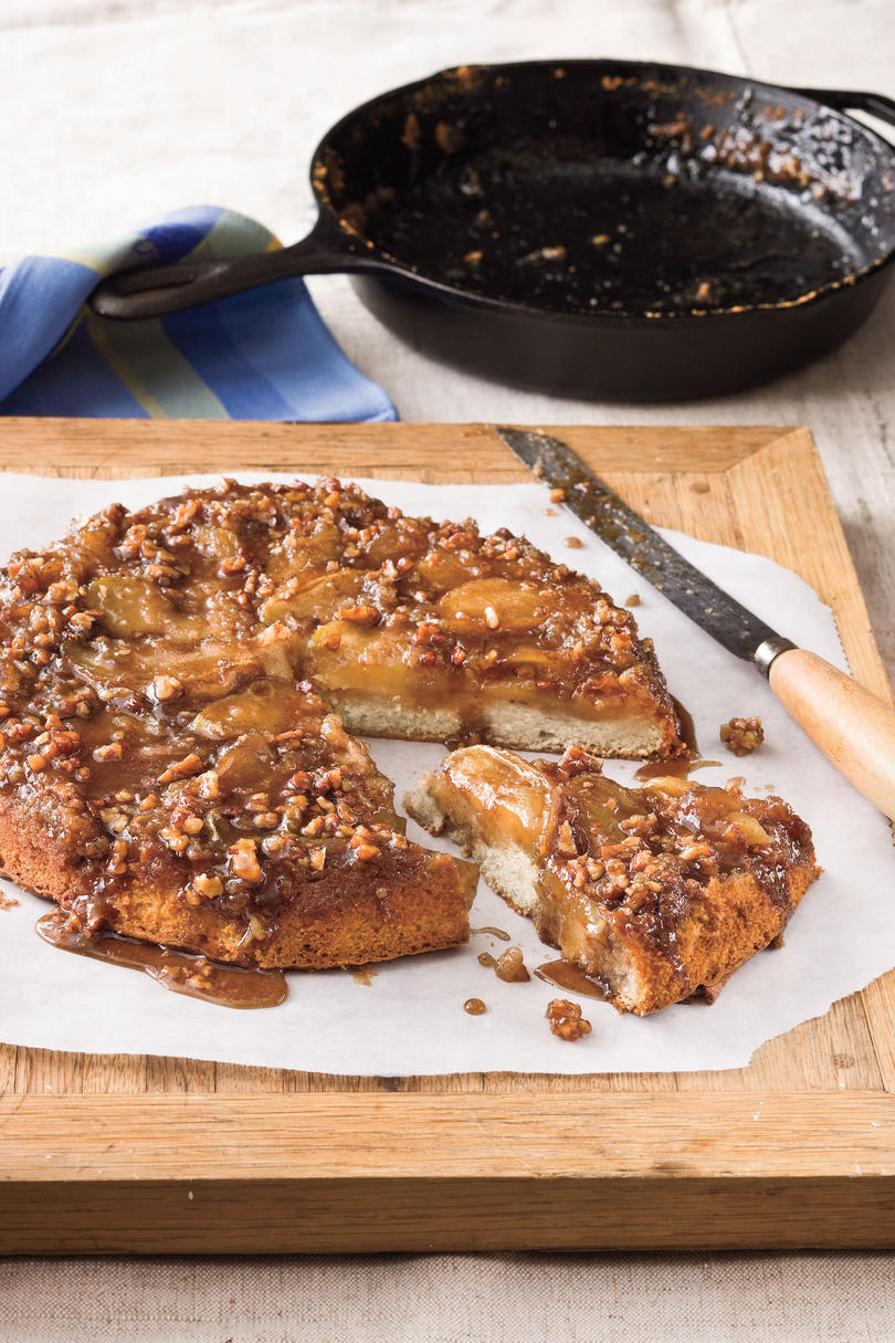 Thanksgiving Skillet Dishes Upside-Down Caramelized Apple Cake