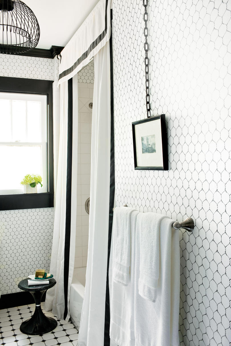 Black and White Bathroom Style