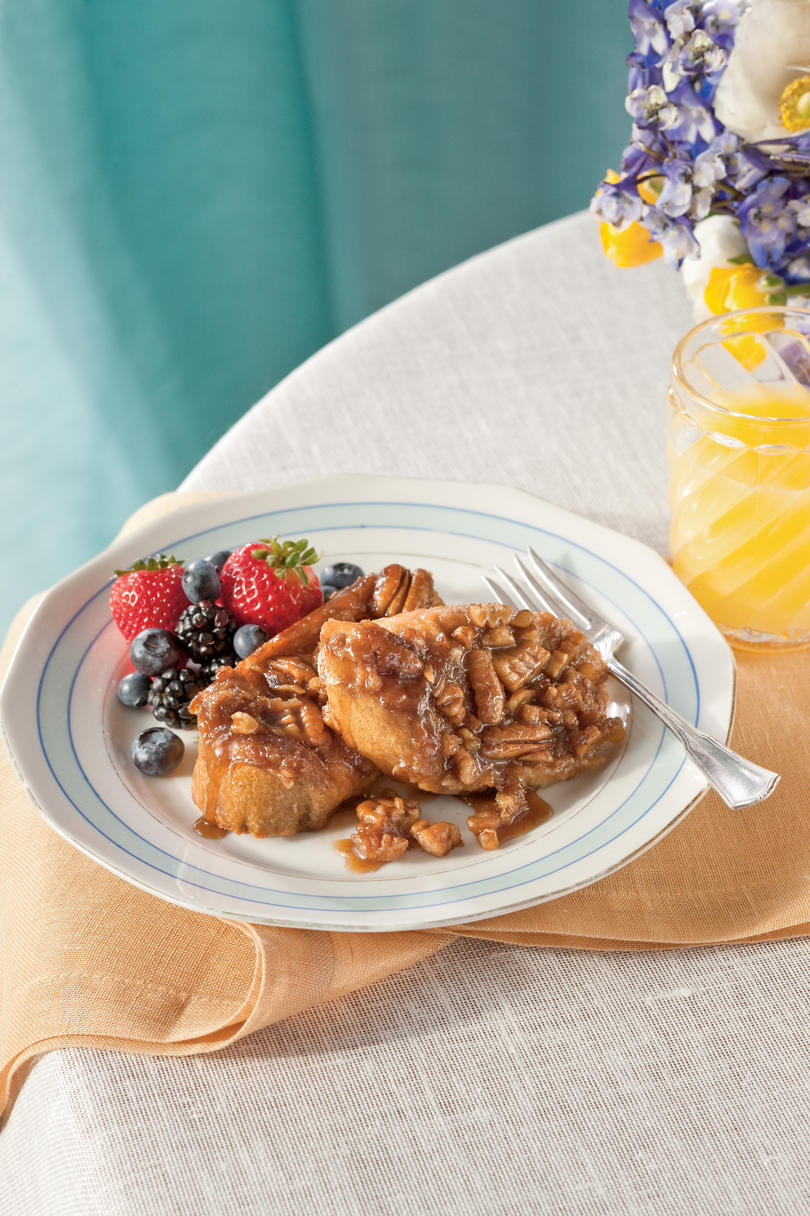 Brunch for a Crowd Praline-Pecan French Toast