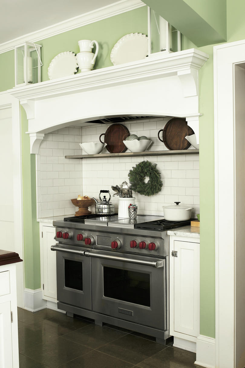 Christmas Kitchens Effortless evergreen