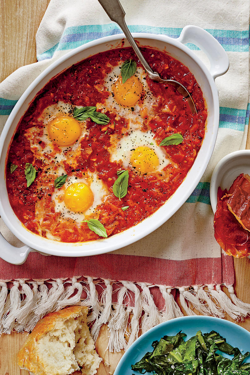 Stewed Tomato Shirred Eggs with Ham Chips