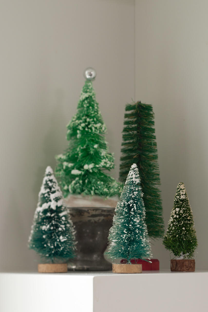 Vintage Christmas Decorations: Bottlebrush Christmas Trees