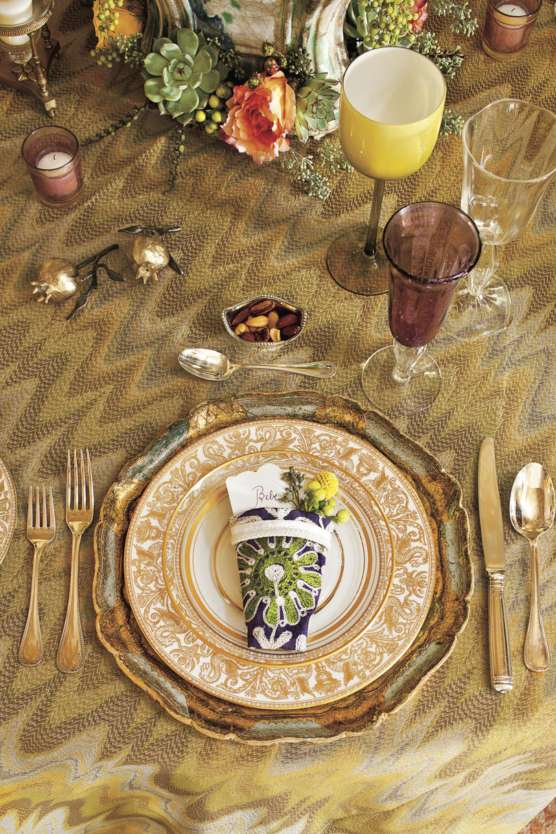 Christmas Table Setting gilded gold