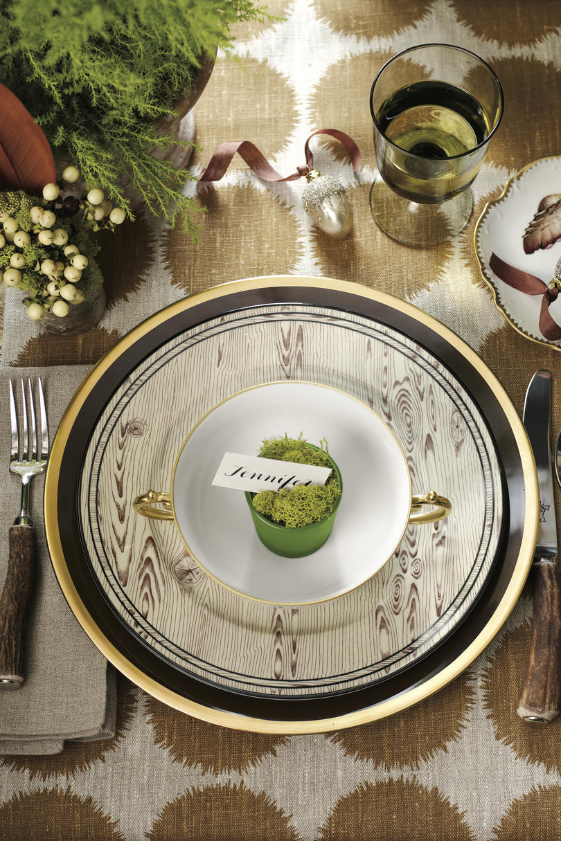 Christmas Table Setting Woodsy Wonderland