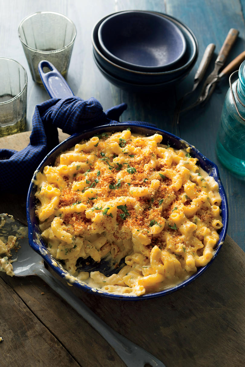 Skillet Mac and Cheese with Crispy Breadcrumbs