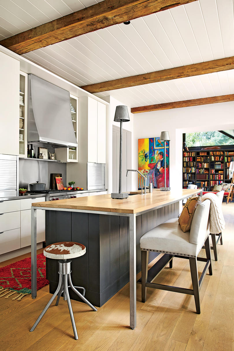 Modern White Kitchen with Stainless Steel Finishes