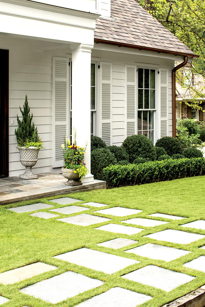 A Birmingham Cottage: Thoughtful Landscaping