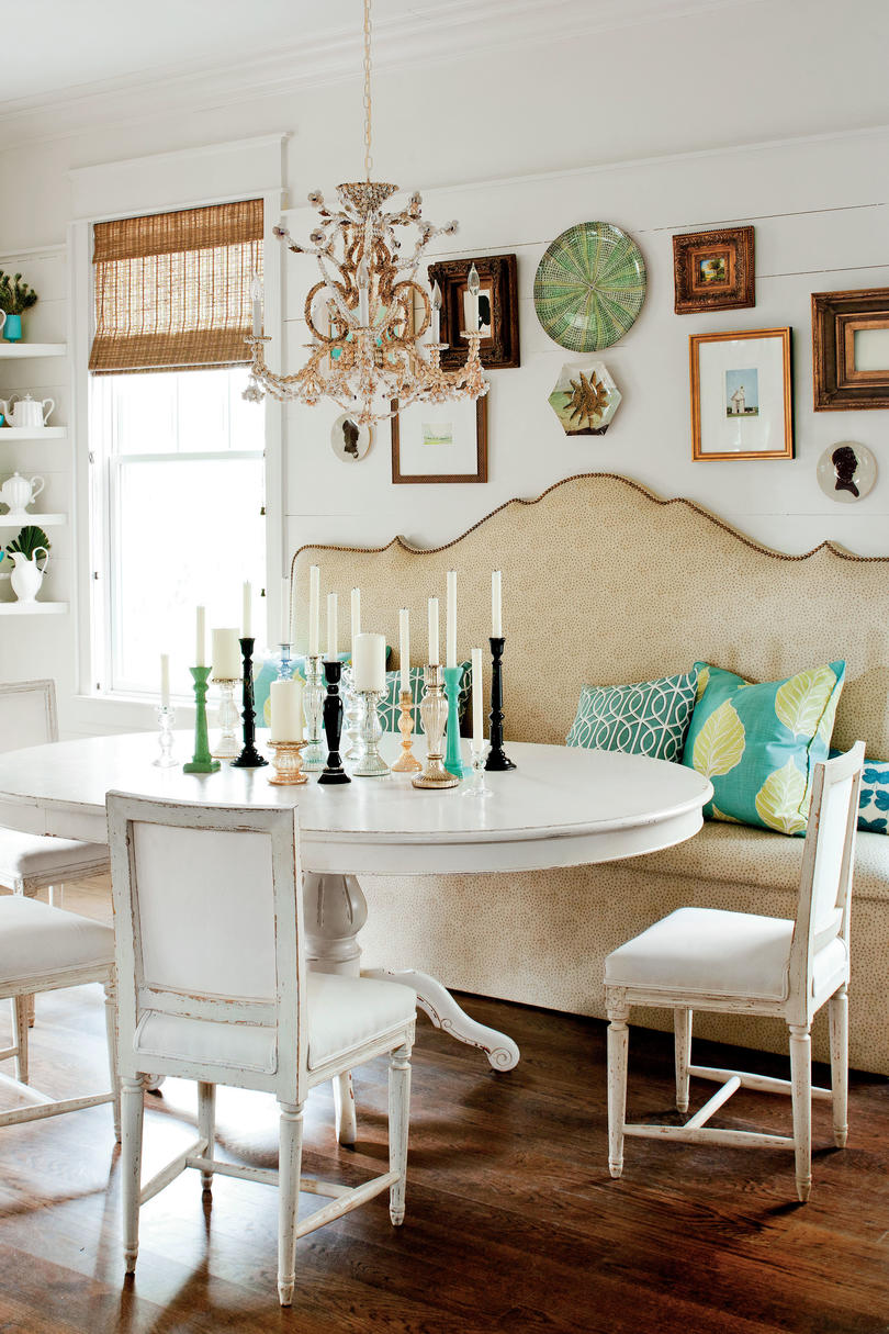 dining room showing custom banquette