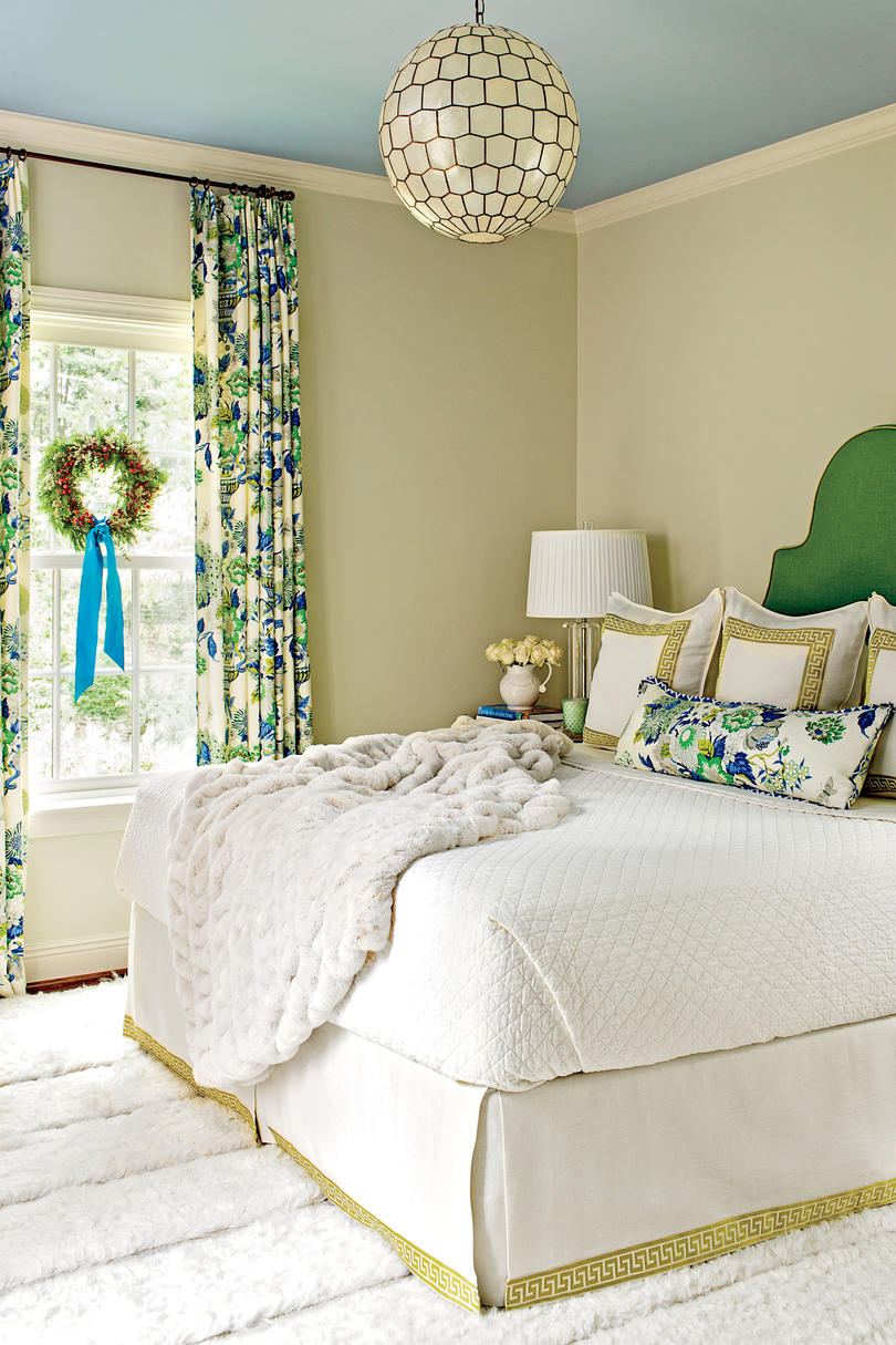Main Bedroom Decor Pictures: Bedrooms Decorated For Christmas