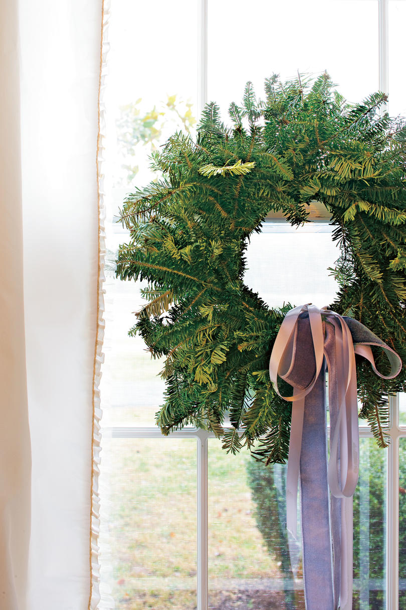 Vintage Christmas Decorations: Ribbons