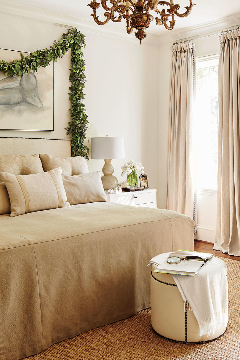 Bedrooms Decorated for Christmas - Southern Living