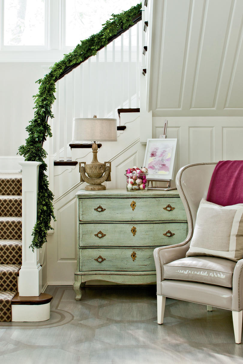 Christmas Foyers to Welcome the Holidays - Southern Living